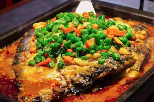 青炉里烤鱼